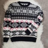 Pulover tricotat cu motive de iarna Bleumarin