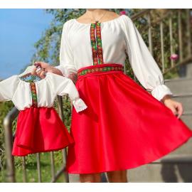 Set rochii scurte Mama-Fiica cu broderie multicolora Yasmina alb